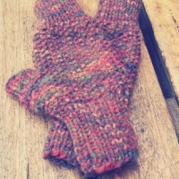 basic seed stitch fingerless mitts (short)