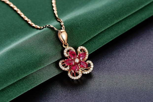 jewelry-625726_1280
