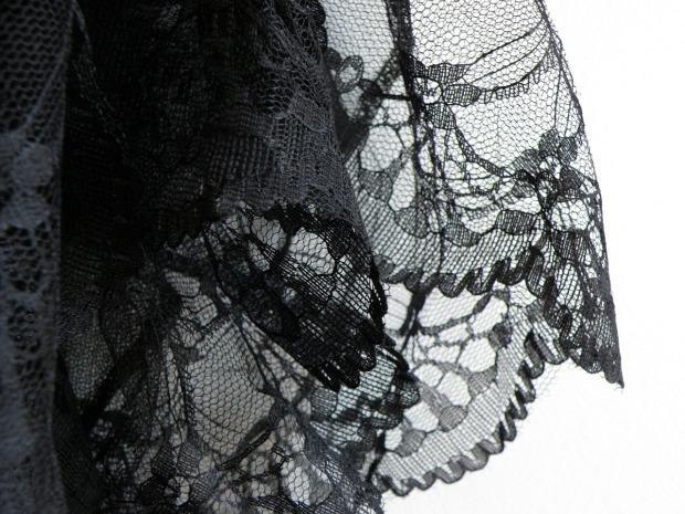 lace-876415_1280